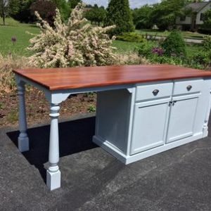 Todd Gladfelter  Worthys Run Furniture   Hedgesville  WV Kitchen Island With Large Seating Area by
