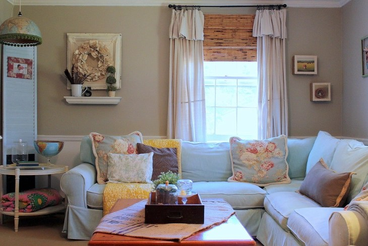 Tiny Vintage Style Living Room