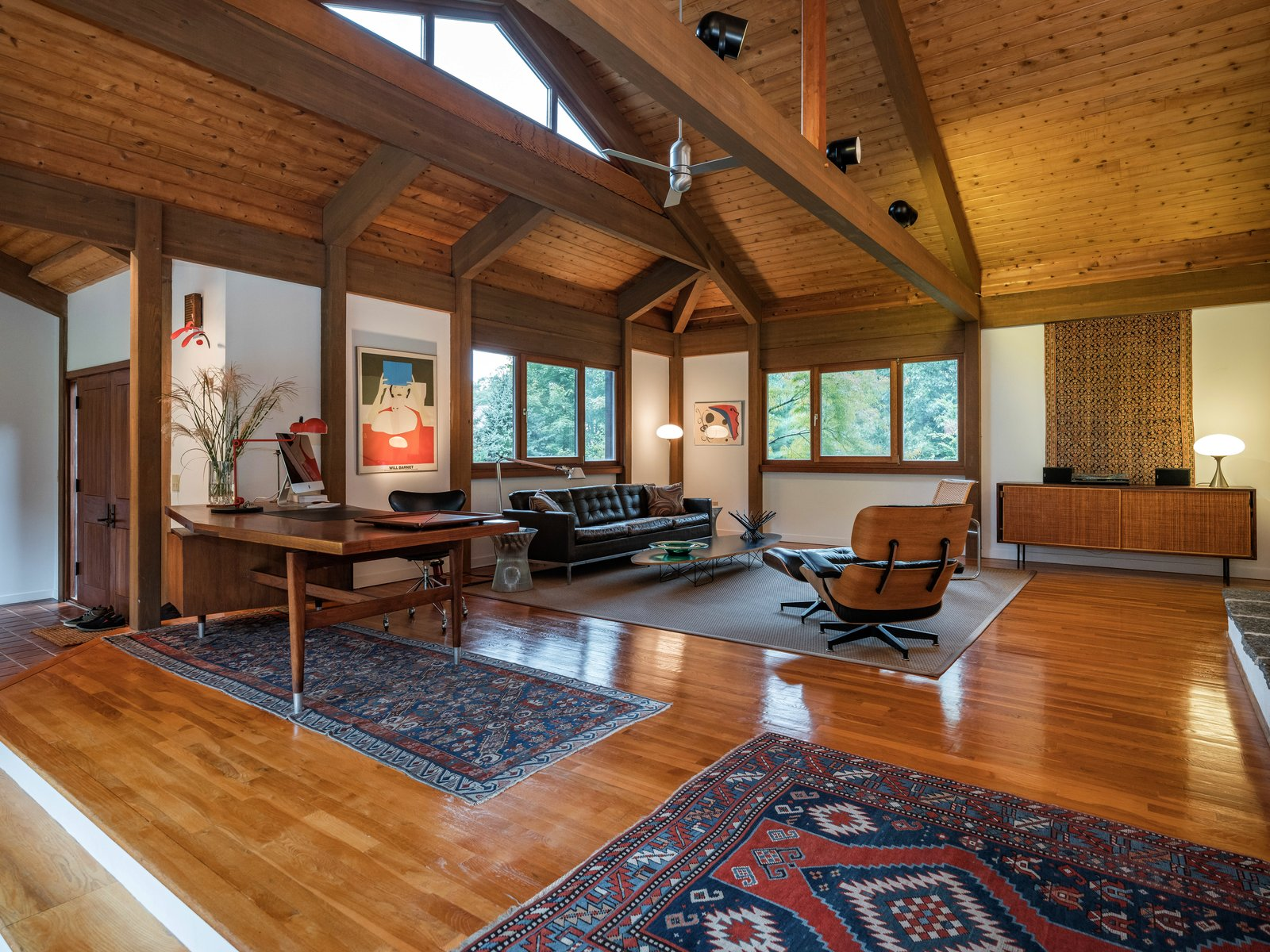 A Midcentury Inspired Post And Beam Home In Connecticut
