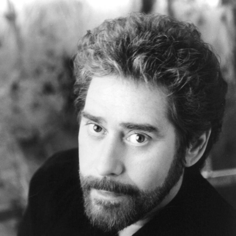 Earl Thomas Conley Holding Her And Loving You