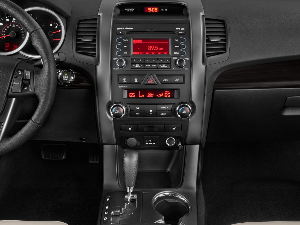 Image 2012 Kia Sorento 2wd 4 Door V6 Ex Instrument Panel