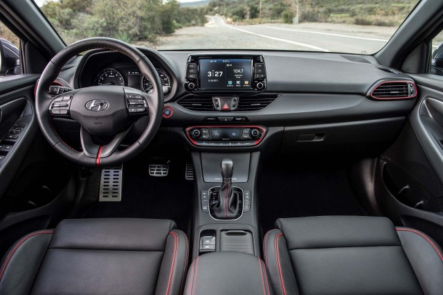 4 Sedan Door Elantra 2013 Hyundai Interior