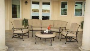 Hanover Outdoor Furniture Traditions 4 Piece Patio Seating