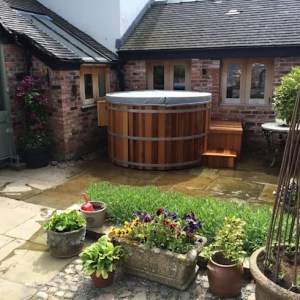 Northern lights Hot Tubs and Saunas by Cedar Hot Tubs UK   homify Northern lights Hot Tubs and Saunas