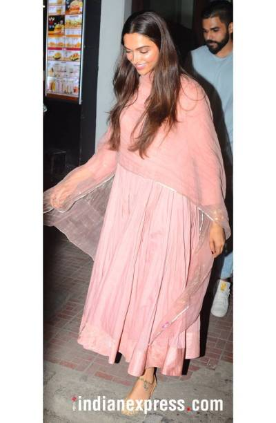 Deepika Padukone's pastel pink anarkali is the perfect ...