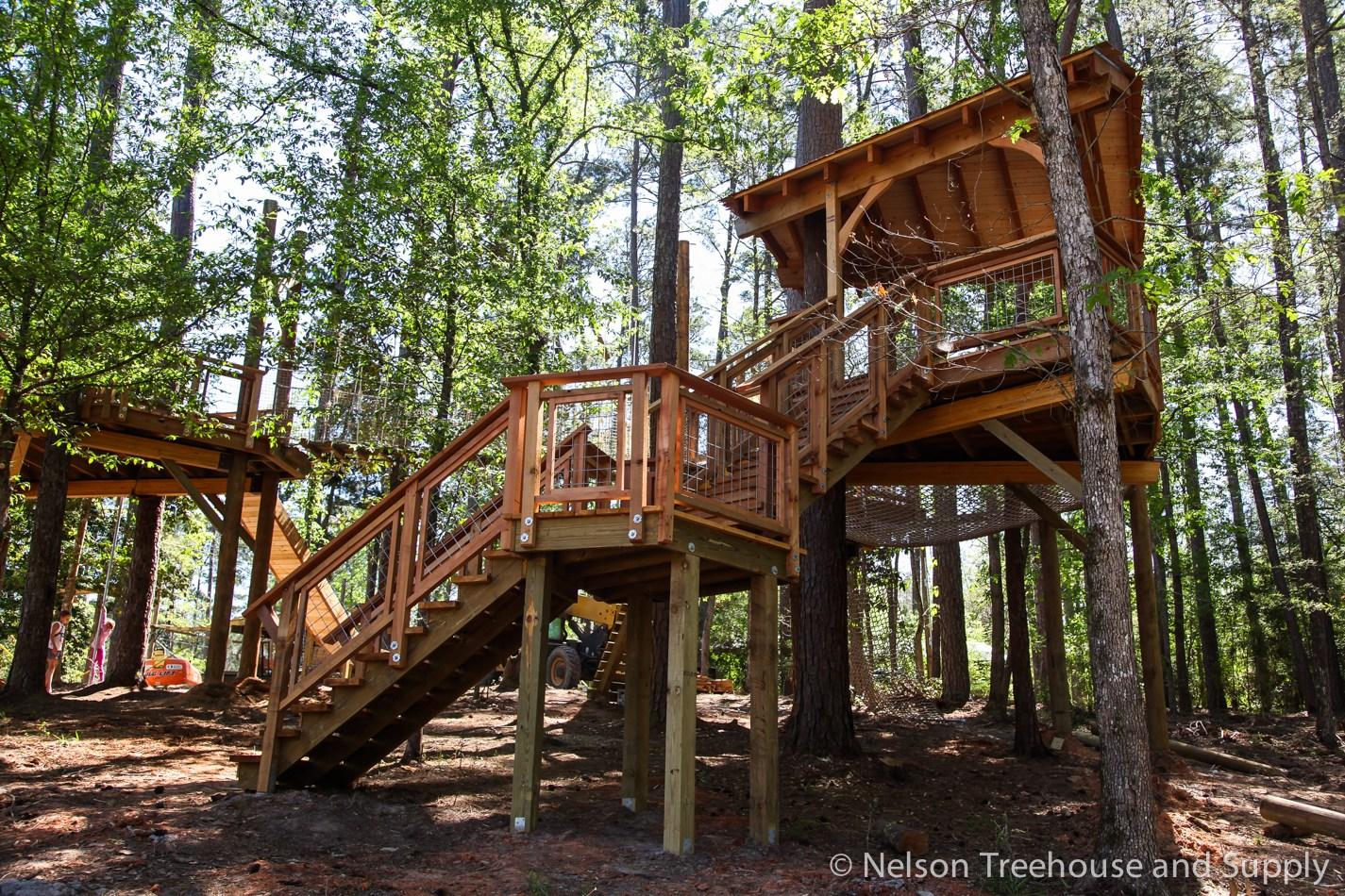 Diy Hog Wire Deck Railing — Nelson Treehouse   Hog Wire Stair Railing   Outdoor Stair   Deck Railing   Thin Picket Deck   Backyard   Indoor
