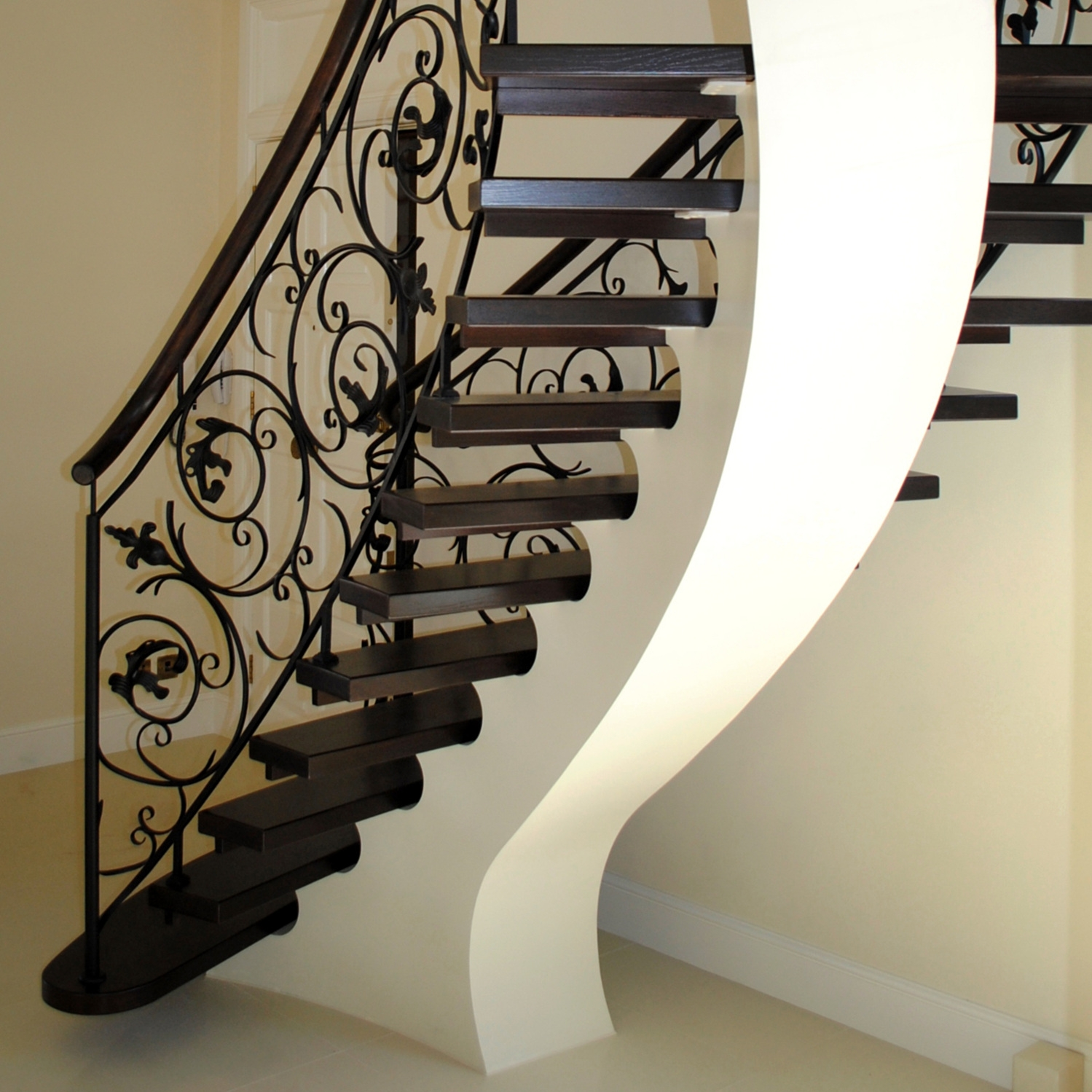 Modern Design Staircases   Exterior Staircase Designs For Indian Homes   Elevation   Indian Style   Combination   Front Entrance Outdoor Staircase   Wall