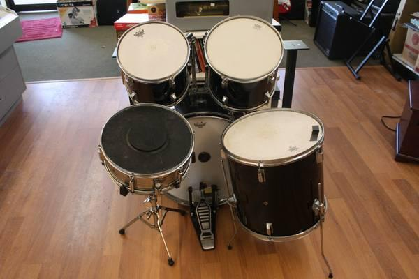 Five Piece Drum Set for Sale  Nice Beginner Kit    for Sale in Atco     Five Piece Drum Set for Sale  Nice Beginner Kit for sale in Atco  New Jersey