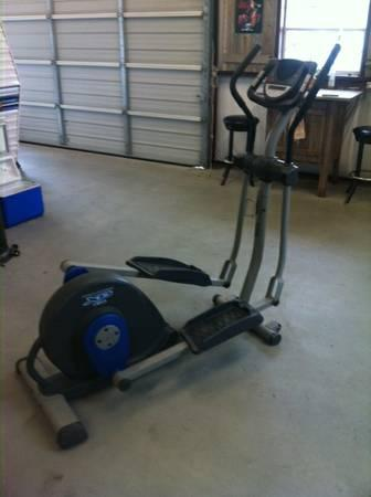 Proform Xp 130 Elliptical For Sale In Mount Calm Texas