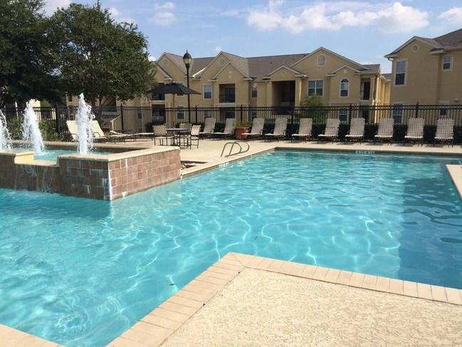Club At Stone Oak Apartments San Antonio Tx