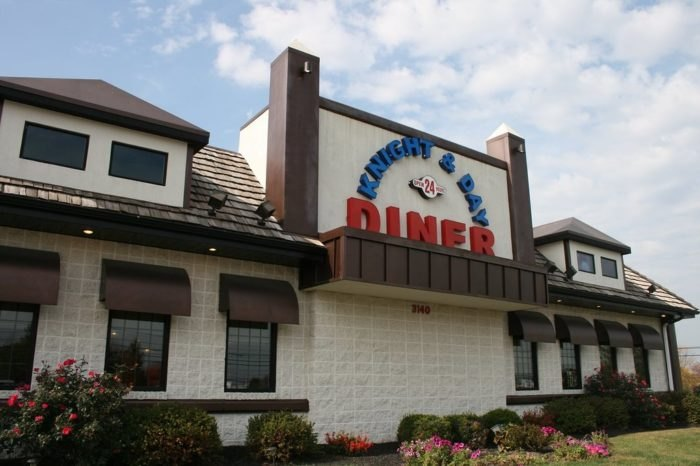 knight and day diner - 700×466