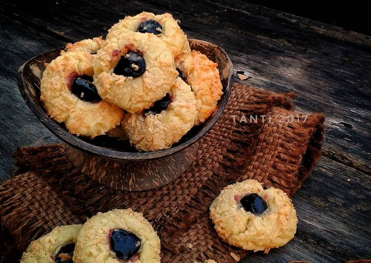 Resep Thumbprint Cheese Cookies