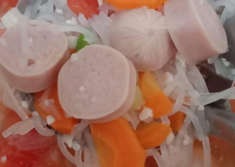 Resep Menu Anak : Sup Merah (sosis, wortel, tomat)