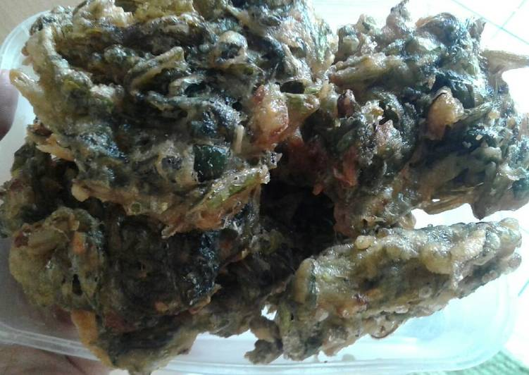 Cara Menyiapkan Bobor Daun Kale Mix Terong Lezat
