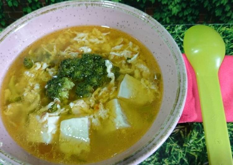 Resep MPASI 1y+, Sup Brokoli Telur Tahu
