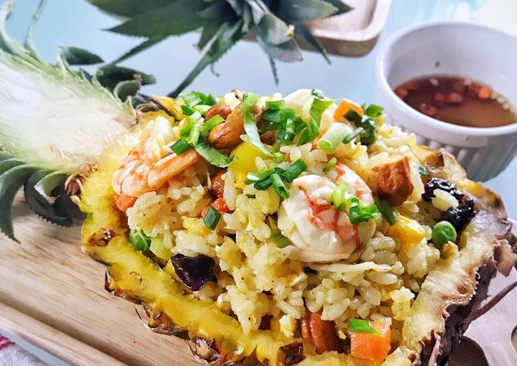 Resep Pineapple fried rice (nasi goreng nanas khas thailand)