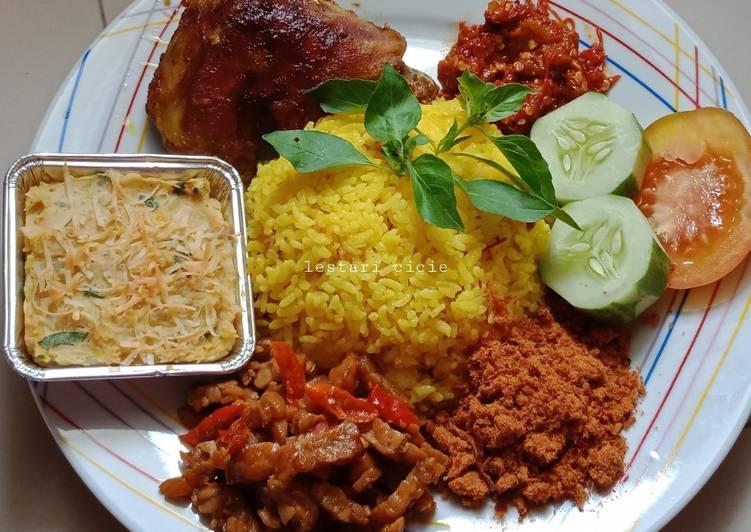 Resep Nasi Kuning Ricecooker