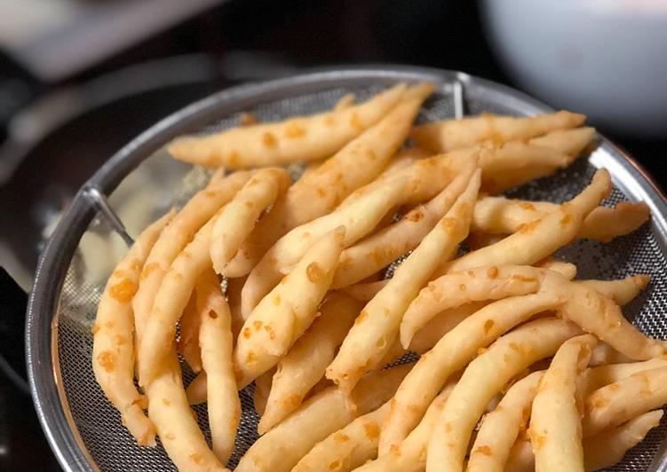 Resep Telor Gabus Keju (Edam cheese sticks)
