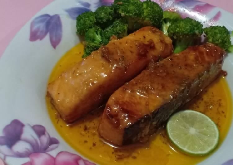 Resep Salmon Madu Garlic Butter