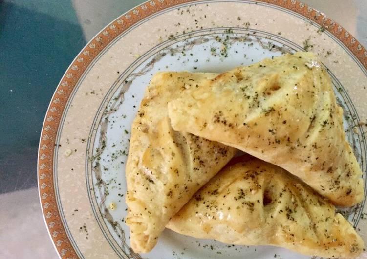 Resep Curry Puff Ayam Kentang (Chicken & potato curry puff pasrty)