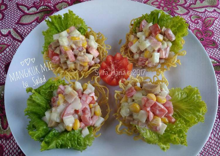 Resep Mangkuk Mie Isi Salad