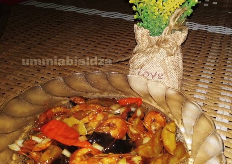 Resep Tumis udang jengkol saus tito (tiram+tomat)