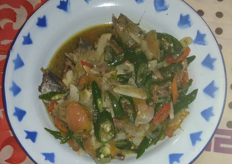 Resep Tumis Ikan Cue Cabe Warna Warni