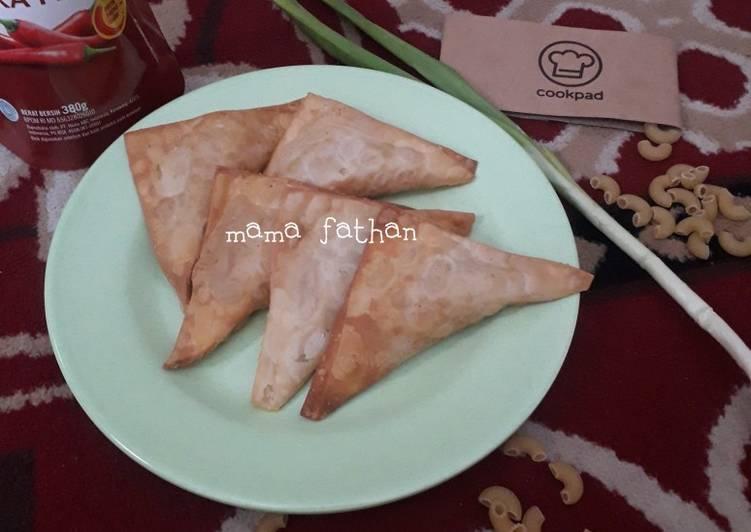 Resep Samosa kw isi rogout makaroni sayuran