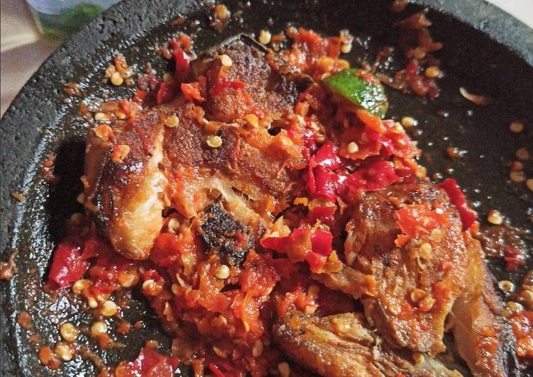Resep Penyet ikan panggang