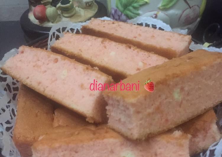 Resep Strawberry Eggwhite Cake/ Bolu Putih Telur Strawberry