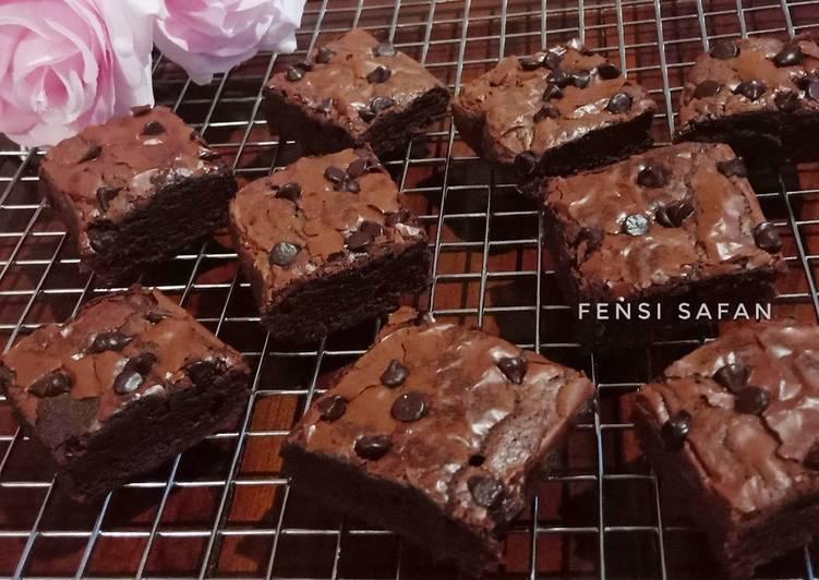 Resep Chewy Brownies (shiny crust looo)
