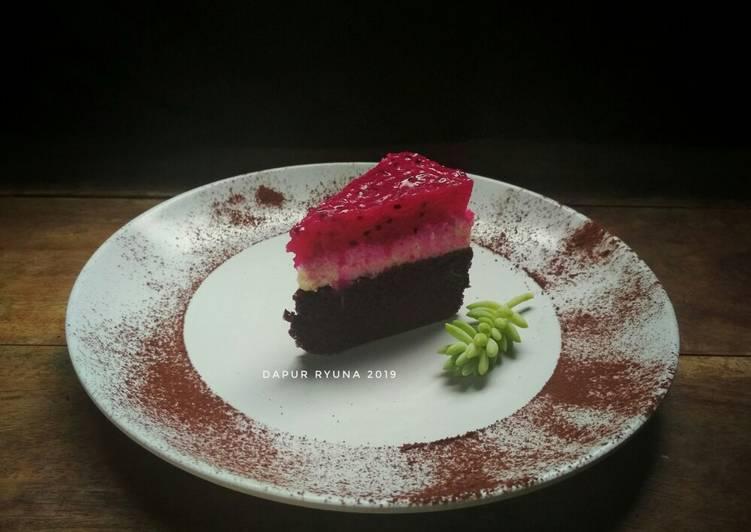 Resep Dragon Fruit Chocolate Cake
