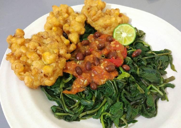 Resep Plecing kangkung + bakwan jagung