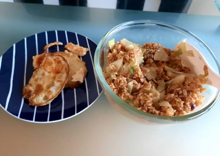 Resep Javanese stir-fried rice (nasi goreng jawa pedas manis)