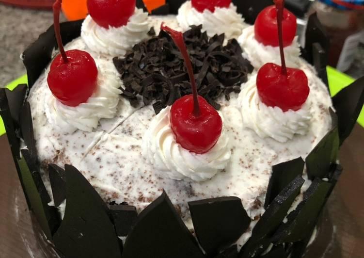 Resep BLACK FOREST CAKE (super lembut dan empuk)