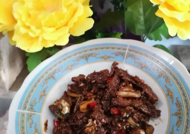 Resep Beef blackpapper tumis air (sapi lada hitam) apa adanya bahan