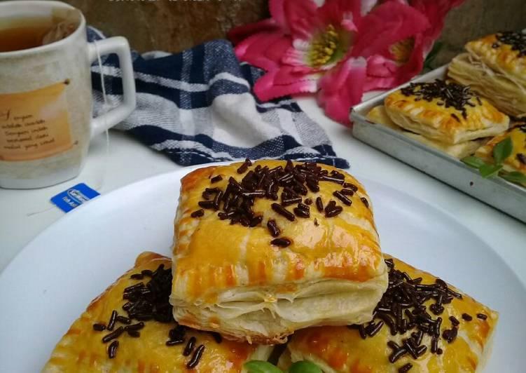 Resep Choco banana puff pastry