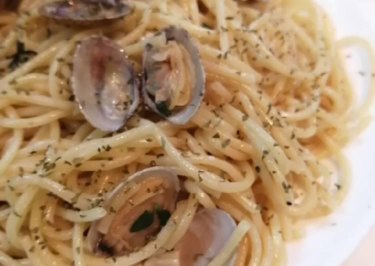 Resep Spaghetti alle Vongole in Bianco