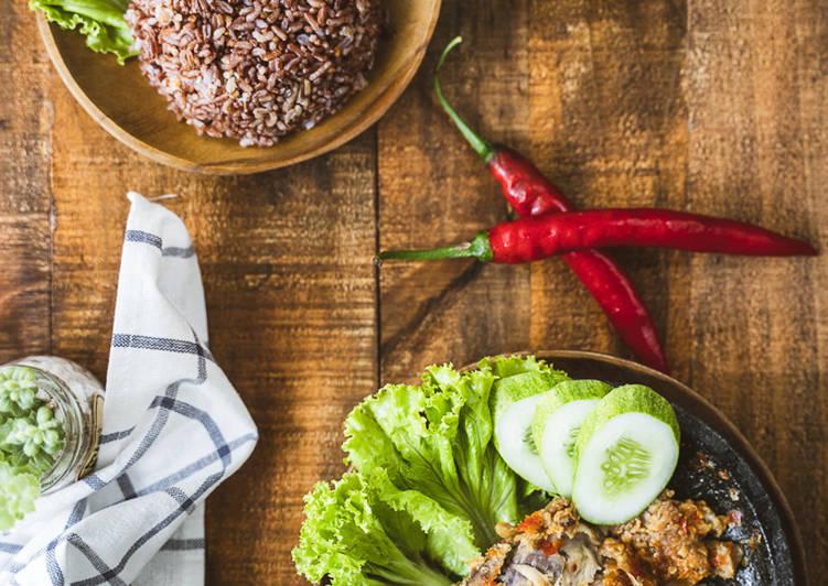 Resep Ayam Geprek Crispy Sambal Bawang