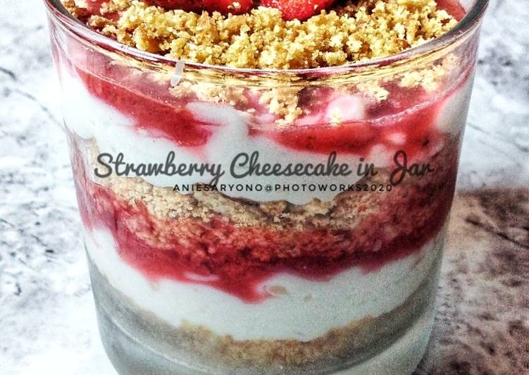Resep Strawberry Cheesecake in Jar