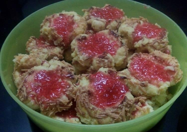 Resep Thumbprint Cookies Strawberry