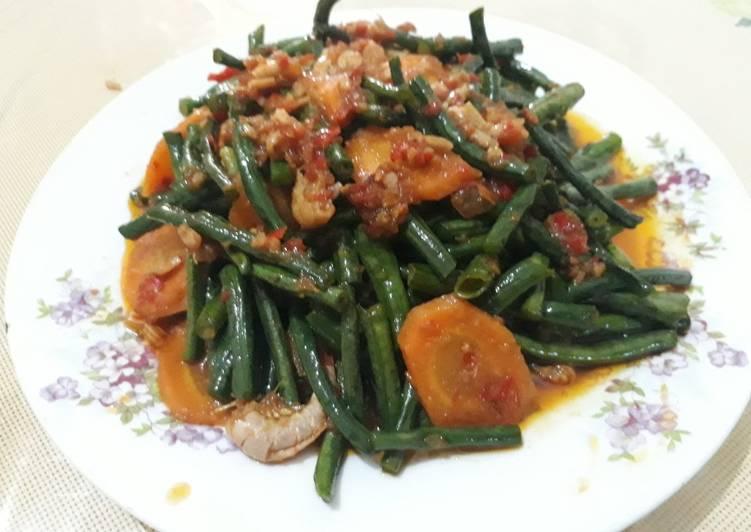 Resep Tumis kacang panjang saos tiram pedas