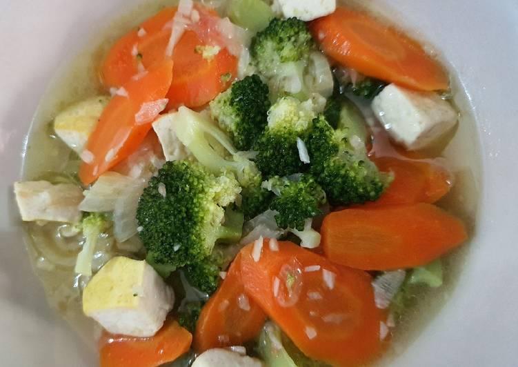 Resep Tumis Brokoli dan Wortel bumbu Bawang Putih (untuk anak 2+)