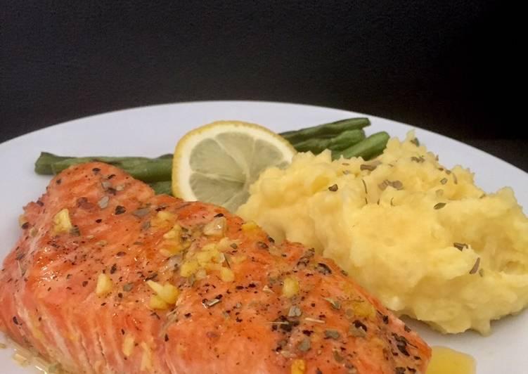 Resep Salmon steak with lemon butter sauce