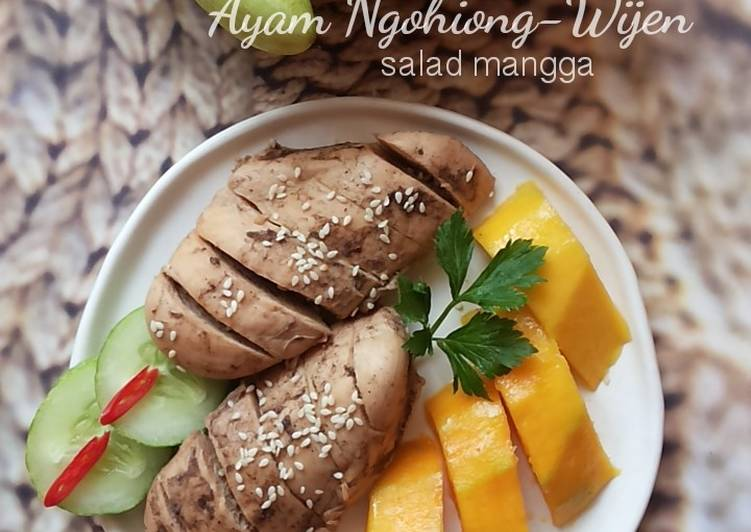 Resep Ayam Ngohiong Wijen - salad mangga