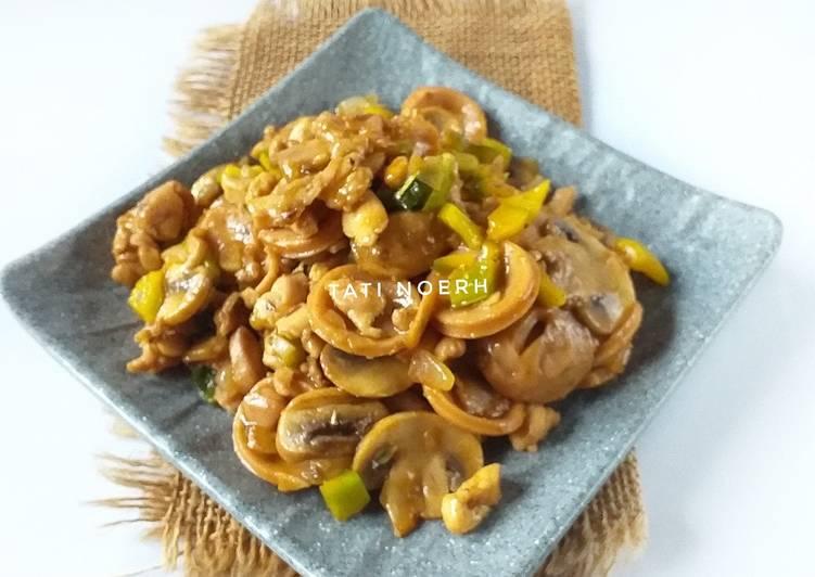 Resep Tumis ayam jamur & sosis (untuk topping pizza)