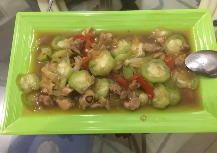 Resep Oyong masak Bawang Bombay campur Ayam