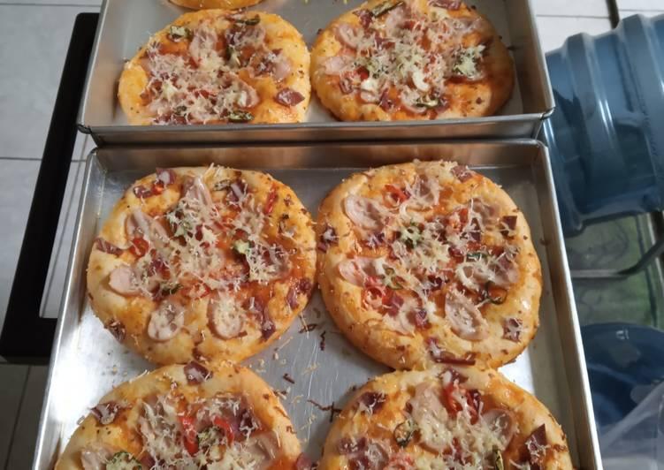 Resep Pizza Mini Simpel Tanpa Telor
