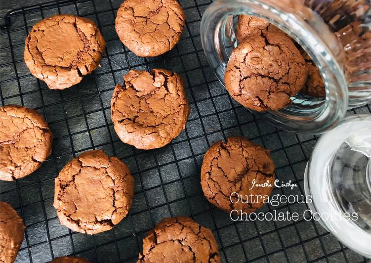 Resep Outrageous Chocolate Cookies