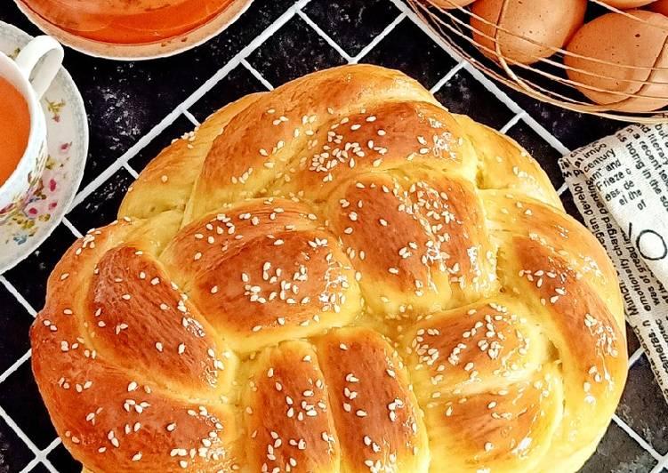 Resep Challah (Braided Bread)